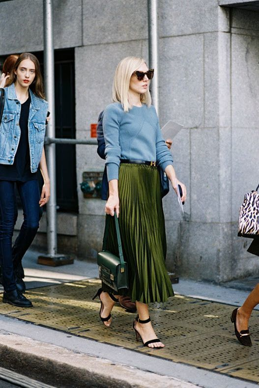 baee750001 How to wear: light blue crew-neck sweater, olive pleated maxi skirt,