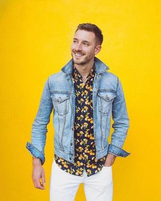 How to wear: light blue denim jacket, black print short sleeve shirt, white skinny jeans