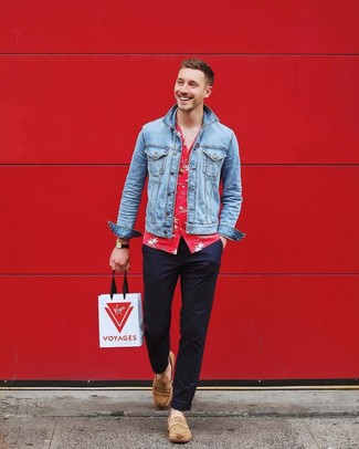 How to wear: light blue denim jacket, red floral short sleeve shirt, navy chinos, tan suede loafers