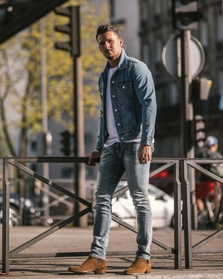 How to wear: light blue denim jacket, white crew-neck t-shirt, light blue ripped skinny jeans, brown suede chelsea boots