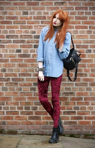 For those who like the comfort look, wear a baby blue denim shirt with a backpack. Opt for a pair of black leather lace-up boots for a more relaxed aesthetic. So as you can see here, it's a cool, not to mention spring-appropriate, outfit to keep in your seasonal rotation.