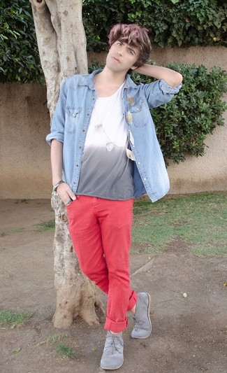 Men's Light Blue Denim Shirt, Grey Crew-neck T-shirt, Hot Pink Chinos, Grey Suede Desert Boots