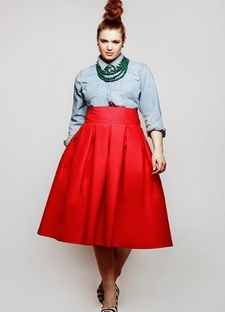 How to wear: light blue denim shirt, red full skirt, white and black horizontal striped calf hair pumps, green necklace