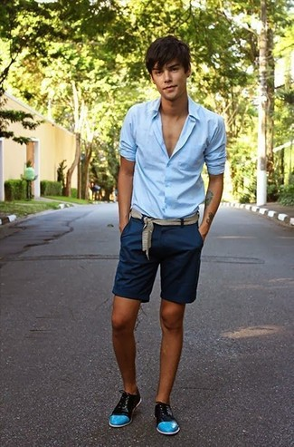 Navy Shorts with Oxford Shoes Outfits: This combination of a light blue dress shirt and navy shorts spells rugged sophistication and class. Introduce oxford shoes to the mix for an instant style upgrade.