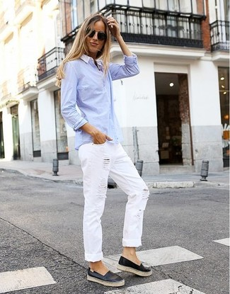 How to wear: light blue dress shirt, white ripped boyfriend jeans, black leather slip-on sneakers