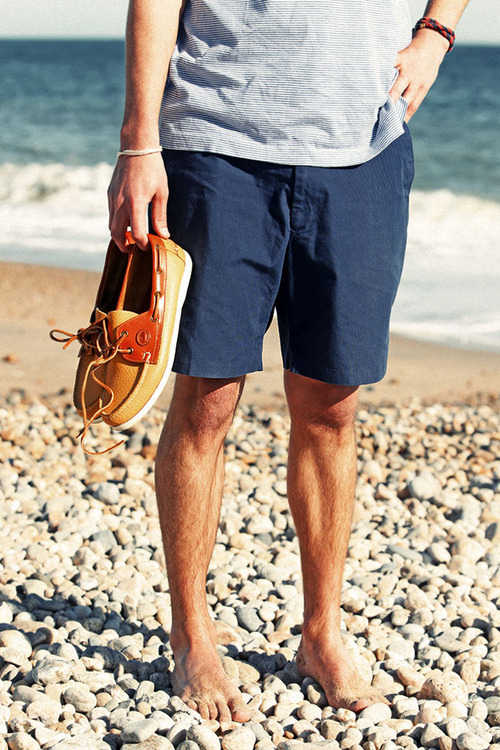 What Color Shirt Goes With Navy Blue Shorts - The Else