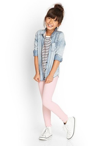How to wear: light blue denim long sleeve shirt, white and navy horizontal striped t-shirt, pink leggings, white sneakers