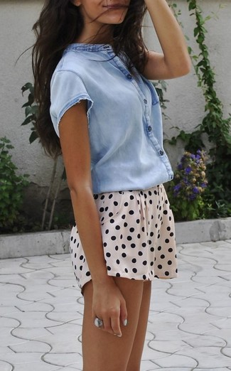 How to wear: light blue short sleeve button down shirt, beige polka dot shorts, silver ring