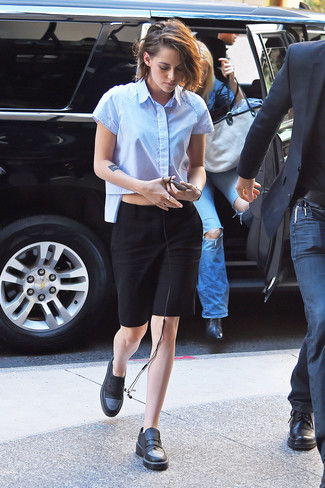 Kristen Stewart wearing Light Blue Short Sleeve Button Down Shirt, Black Pencil Skirt, Black Leather Loafers