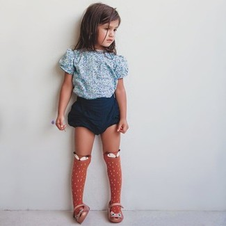 How to wear: light blue floral t-shirt, navy shorts, orange ballet flats, orange socks