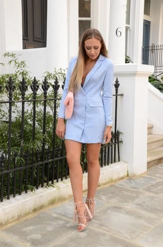 How to wear: light blue tuxedo dress, beige suede heeled sandals, pink fur clutch, gold watch