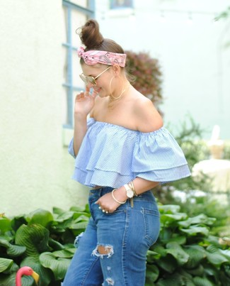 How to wear: light blue vertical striped off shoulder top, blue ripped skinny jeans, pink bandana