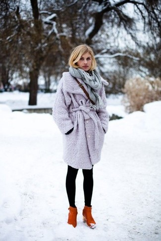 How to Wear a Light Violet Coat In Cold Weather For Women: This combo of a light violet coat and black leggings is beyond versatile and creates instant appeal. If you want to easily dress up your ensemble with shoes, why not introduce tobacco leather ankle boots to the mix?