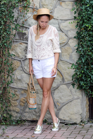 How to wear: white lace long sleeve blouse, white shorts, gold slip-on sneakers, beige straw tote bag