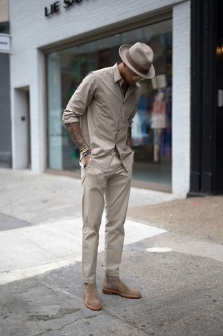 How to Wear Gold Sunglasses For Men: Try teaming a beige long sleeve shirt with gold sunglasses to put together an interesting and edgy ensemble. Take your outfit down a more sophisticated path by sporting tan suede chelsea boots.