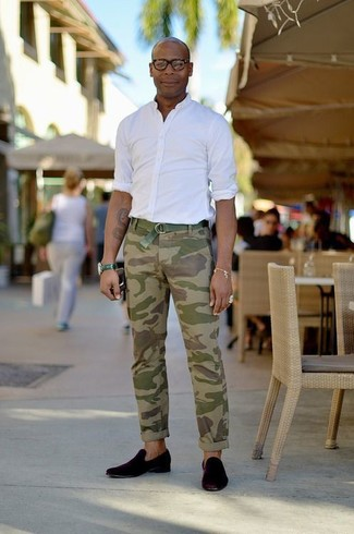 How to wear: white long sleeve shirt, olive camouflage chinos, black suede loafers, green canvas belt