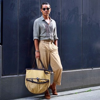 How to wear: light blue linen long sleeve shirt, khaki chinos, brown suede loafers, tan canvas tote bag