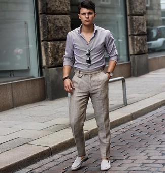 Black Beaded Bracelet Outfits For Men: Inject style into your current routine with a grey check long sleeve shirt and a black beaded bracelet. Dial up the wow factor of your getup with grey suede loafers.