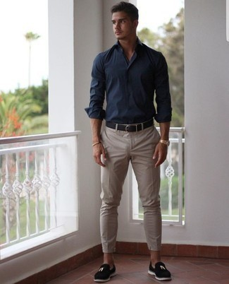 Navy Long Sleeve Shirt with Black Velvet Loafers Outfits For Men: To put together a casual ensemble with a fashionable spin, team a navy long sleeve shirt with beige chinos. For something more on the elegant side to complete this outfit, add a pair of black velvet loafers to the mix.