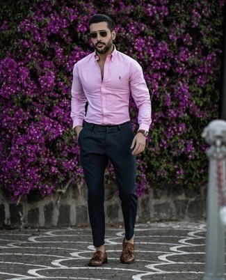 Brown Leather Tassel Loafers Outfits: This is undeniable proof that a pink long sleeve shirt and navy chinos look amazing when worn together in a laid-back ensemble. Here's how to dial it up: brown leather tassel loafers.