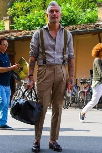 Dark Brown Leather Tassel Loafers Hot Weather Outfits: This is solid proof that a grey linen long sleeve shirt and khaki chinos look amazing when matched together in an off-duty look. Add a different twist to this ensemble by finishing with a pair of dark brown leather tassel loafers.