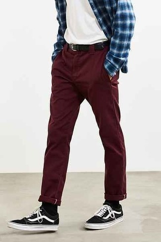 To pants with maroon what wear 4 Simple