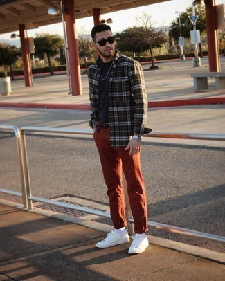 Black Sunglasses Outfits For Men: A dark green plaid long sleeve shirt and black sunglasses are the kind of a no-brainer casual combination that you so awfully need when you have no time. A pair of white leather low top sneakers immediately ups the classy factor of this ensemble.