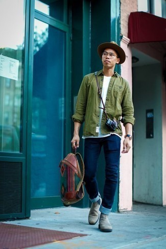 Olive Long Sleeve Shirt Outfits For Men: An olive long sleeve shirt and navy jeans are the kind of a never-failing casual combination that you so awfully need when you have no extra time to dress up. To bring some extra classiness to this outfit, complete your look with grey suede chelsea boots.