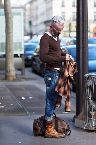 Brown Leather Belt Outfits For Men: Try pairing a multi colored plaid flannel long sleeve shirt with a brown leather belt for relaxed dressing with an urban spin. Give a different twist to an otherwise too-common ensemble by finishing with a pair of tobacco leather casual boots.