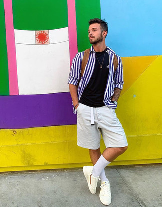 How to wear: white and blue vertical striped long sleeve shirt, black crew-neck t-shirt, white shorts, white low top sneakers