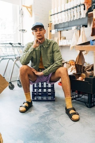 How to Wear a Mustard Crew-neck T-shirt For Men: Why not try pairing a mustard crew-neck t-shirt with light violet shorts? As well as totally practical, both items look amazing married together. Why not complement your look with a pair of black leather sandals for a sense of stylish nonchalance?