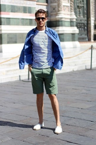 How to Wear a White and Navy Horizontal Striped Crew-neck T-shirt For Men: A big thumbs up to this edgy combo of a white and navy horizontal striped crew-neck t-shirt and dark green shorts! White canvas espadrilles are a fail-safe way to breathe a touch of class into this outfit.
