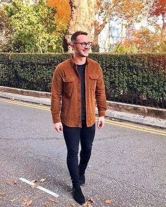 Black Skinny Jeans Outfits For Men: A perfectly pieced together combination of a tobacco corduroy long sleeve shirt and black skinny jeans will set you apart effortlessly. Feeling venturesome? Smarten up your ensemble by wearing a pair of black suede chelsea boots.