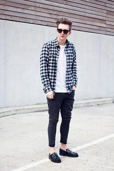 ea4b0df4c7930 How To Wear Black Skinny Jeans With Black Leather Loafers For Men (9 ...