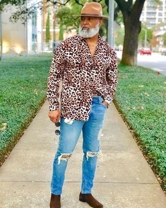 Tobacco Chelsea Boots with Jeans Outfits For Men After 50: Opt for a brown leopard long sleeve shirt and jeans for comfort dressing with an edgy take. With shoes, go down a more elegant route with a pair of tobacco chelsea boots. A nice, less conservative combination for a gent in his 50s.