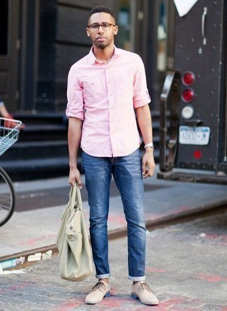 How to Wear Beige Suede Derby Shoes: Up your off-duty look by opting for a pink long sleeve shirt and blue jeans. If you need to instantly up the style ante of your outfit with a pair of shoes, why not add beige suede derby shoes to the equation?