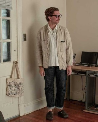 Black Jeans Outfits For Men: A beige linen long sleeve shirt and black jeans worn together are a sartorial dream for those who love casual and cool styles. Dark brown suede loafers will effortlessly class up this look.