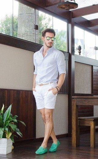 How to Wear Driving Shoes For Men: Why not try pairing a light blue long sleeve shirt with white shorts? As well as super practical, both of these items look great paired together. Driving shoes complement this ensemble quite well.