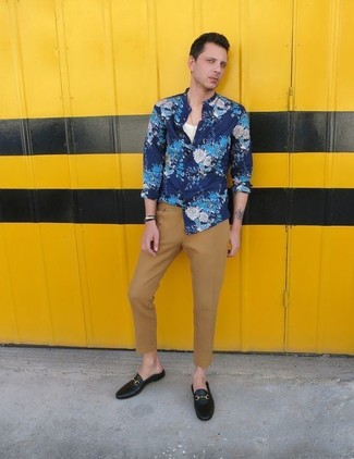 Blue Floral Long Sleeve Shirt Outfits For Men: Rock a blue floral long sleeve shirt with khaki chinos to achieve new heights in your off-duty fashion game. Want to dress it up in the footwear department? Add a pair of black leather loafers to the equation.
