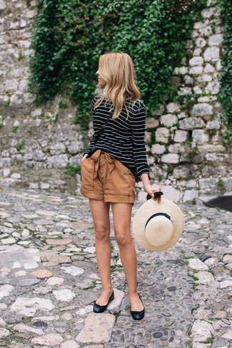 How to Wear Brown Shorts For Women: If you wish take your casual game to a new level, marry a black and white horizontal striped long sleeve t-shirt with brown shorts. Complete this ensemble with black leather ballerina shoes to make the look less formal.