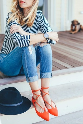 How to wear: white and navy horizontal striped long sleeve t-shirt, blue ripped skinny jeans, orange leather ballerina shoes, navy wool hat