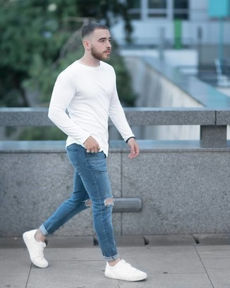 Silver Beaded Bracelet Outfits For Men: A white long sleeve t-shirt and a silver beaded bracelet are the kind of off-duty must-haves that you can wear a ton of ways. Make a bit more effort with shoes and add white canvas low top sneakers to the equation.