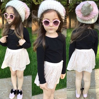 How to wear: black long sleeve t-shirt, white lace skirt, pink ballet flats, white beanie