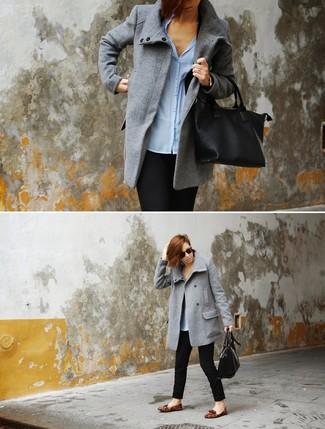 Marie un manteau gris avec un pantalon slim noir pour prendre un verre  après le travail 328784a28bd3