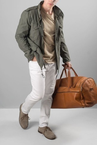 How to Wear Grey Suede Desert Boots: Why not wear an olive military jacket and white jeans? As well as totally comfortable, both of these items look great when worn together. If you're wondering how to finish off, add a pair of grey suede desert boots to your outfit.