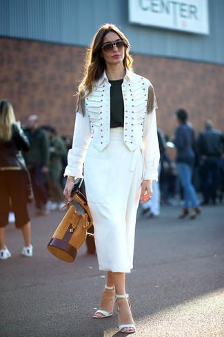 How to wear: white military jacket, black crew-neck t-shirt, white midi skirt, white leather heeled sandals