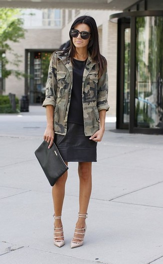 How to wear: olive camouflage military jacket, black crew-neck t-shirt, black leather mini skirt, beige leather pumps