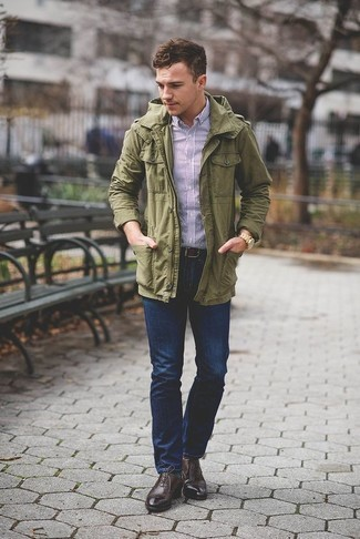How to Wear Dark Green Socks For Men: An olive military jacket and dark green socks are a great combo to carry you throughout the day. Introduce dark brown leather oxford shoes to the mix to immediately boost the wow factor of this look.