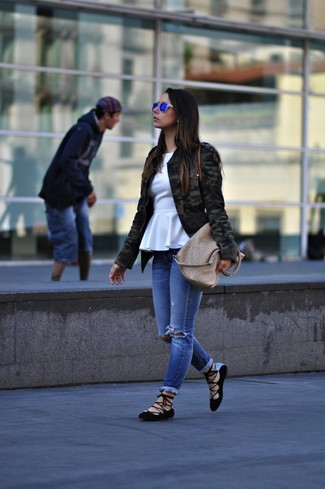 Choose a Lee Cooper Military Patched Workwear Jacket and blue ripped skinny jeans for a trendy and easy going look. A cool pair of black suede ballerina shoes is an easy way to upgrade your look. You can bet this getup is ideal come spring.