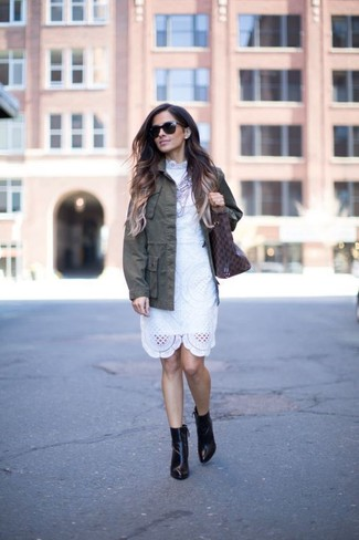 How to Wear a Silver Necklace: An olive military jacket and a silver necklace are great pieces to have in your casual lineup. Black leather ankle boots are a guaranteed way to infuse a bit of polish into this outfit.